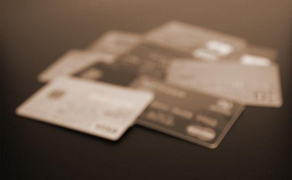 クレジットカードに自信ニキおる?