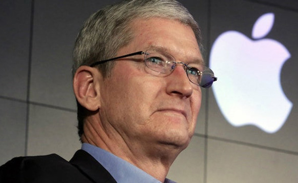アップルCEO「iPhone低迷、長期使用が原因」 決算会見