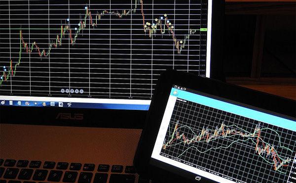 株で儲けたい。 できればそれで生活したい 。
