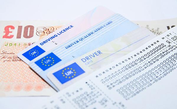 世界の運転免許取得費用wwwwwwwwwwwww