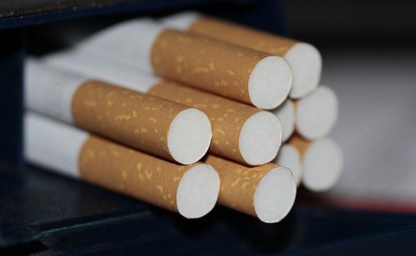【たばこ】「1箱1000円に」=自民議連