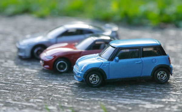 軽自動車「200万円です」普通車「250万円です」プリウス「350万円です」