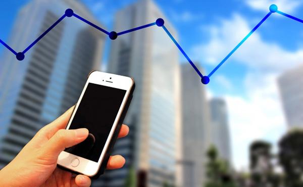 株指数運用(インデックス運用)、市場を席巻 低コスト強み、投信の8割