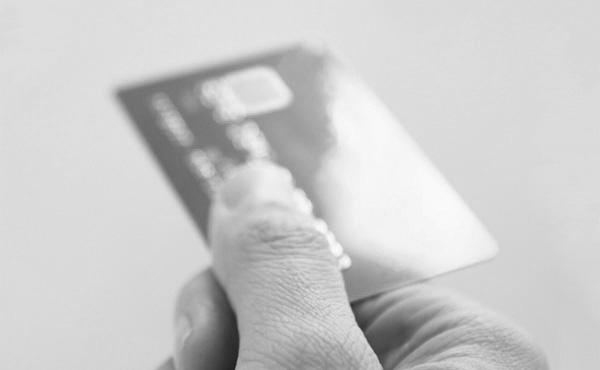 ブラックリストでも作れるクレジットカード教えて