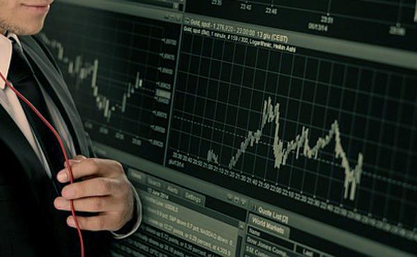 【リラ・ショック】ドイツ銀行トレーダー、トルコ危機で2週間に約40億円荒稼ぎ
