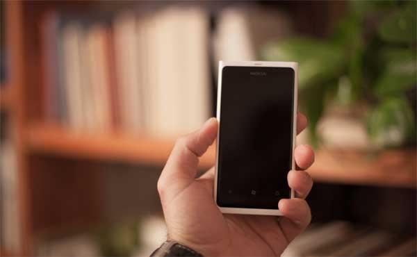 最高裁「ワンセグ携帯も義務」確定=NHK受信契約、上告退ける