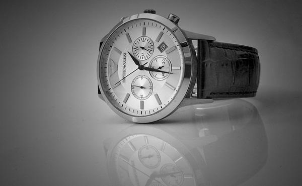 腕時計とかいう闇が深い装飾品wwwwww