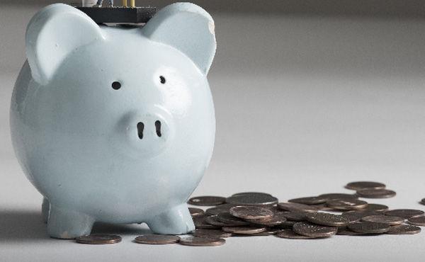「貯金大好き病」って浪費癖以上に危険だし人生を棒にふるよな。