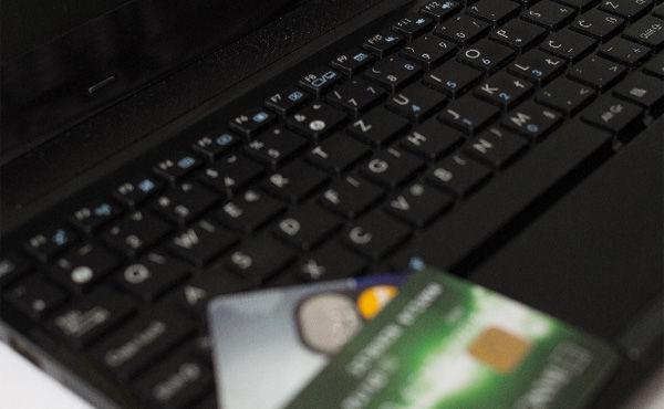 クレジットカードって別に悪くなくね? 通販捗るし?