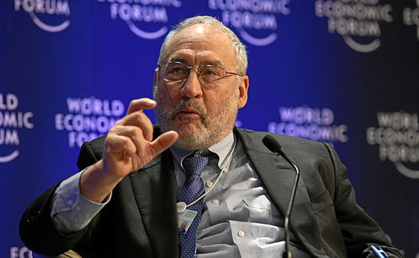 ノーベル賞受賞者、スティグリッツ教授が提唱「現物紙幣を廃止して電子マネーに移行すべき」