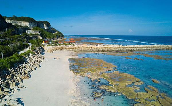 【吉報】貯金2000万円あれば一生遊んで暮らせる夢の島が見つかる、生きる希望わいてき