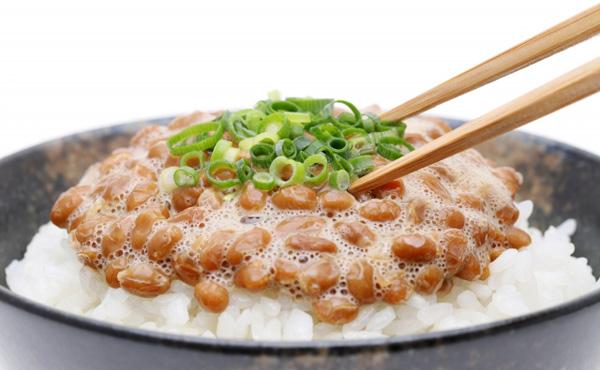 【朗報】「納豆定食(600円相当)」が1万円の寄付で一生無料