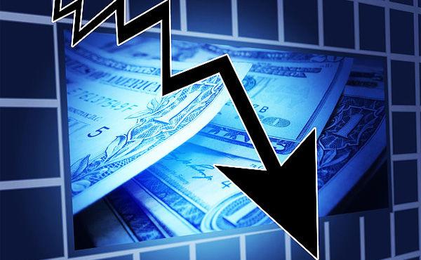 株式投資で含み損が出たら?「損切りしない」が4割