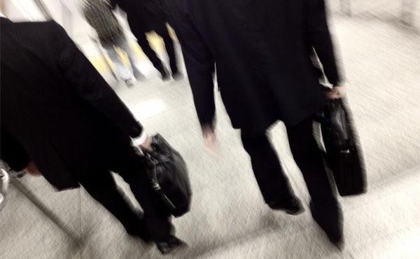 公務員の平均年収700万円