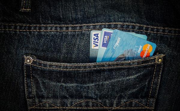 わざわざクレジットカードを持つ理由って何なの?