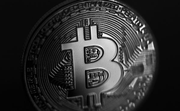 【仮想通貨】ビットコインに4万ドル払った投資家たち-この1年で最悪の取引