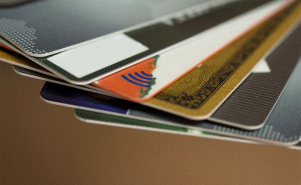 クレジットカードは2~3枚使い回しが得、還元率で選ぶべき