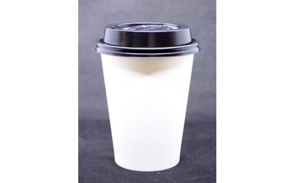コンビニで100円のコーヒーカップに150円のカフェラテを注いだ男を逮捕