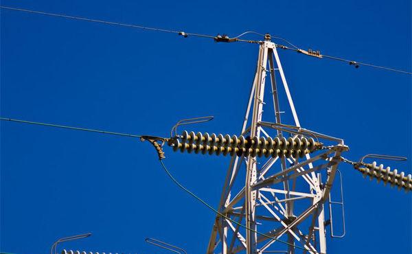 電力自由化スタートも切り替えは0.4%止まり