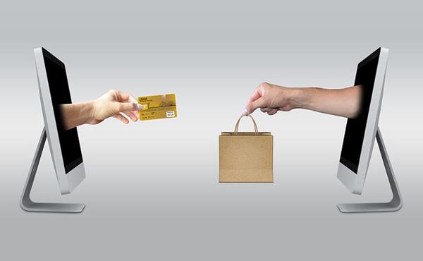 2016年のクレジットカードのショッピング支払額は初めて50兆円超え ネット通販の市場拡大などが主要な原因