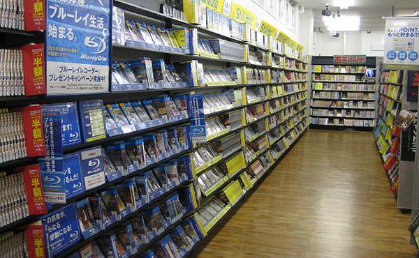 TSUTAYA DVD借り放題へ ネット動画配信に対抗 全国800店舗で開始予定0