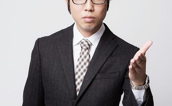 証券会社に勤めてる杉本さん「この株が上がります!おすすめですよ!」俺「じゃあなんで自分で買わないの?」