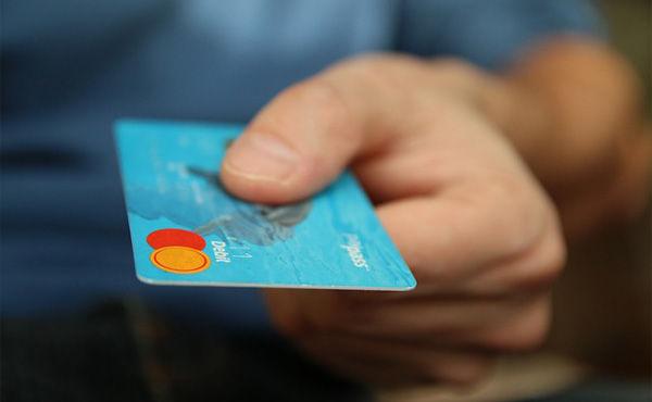 クレジットカード作れなくて困ってるニート・フリーターちょっと来い。色んな方法あるから教える