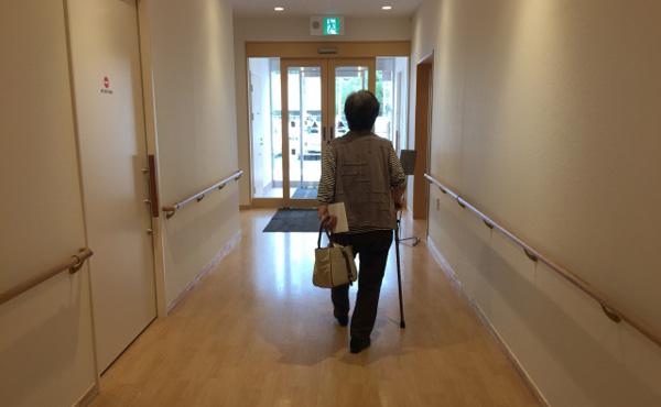 【ジャパンライフ破綻】女性「汗水たらし働いたのに」7千万円失い通院