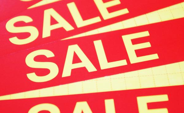 客は正しい定価よりウソの割引額を好む