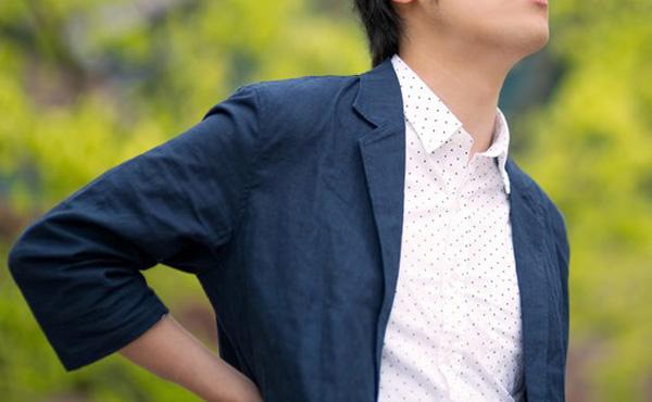 個人事業主ワイ「8ヶ月働いて年商710万円や!」 国「!!!!」シュババババ!! ワイ「!?」