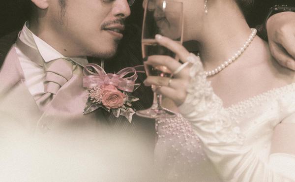 年収100万円以下の未婚率6割 200万円台44% 300万円台32% 1000万円以上7%