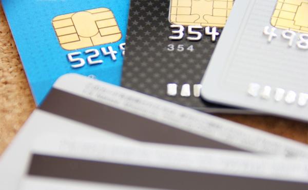クレジットカード使わないやつって何考えてるんや?