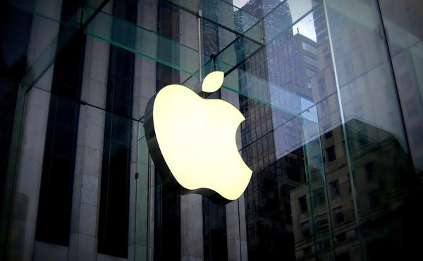 アップル、業績予想を下方修正 中国減速、アイフォーン不振 売上高が5%減の約840億ドル(約9兆1500億円)