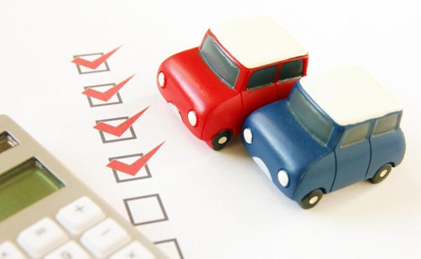 自動車税も車検も価格段違いなのになんでみんな軽自動車にしないの?