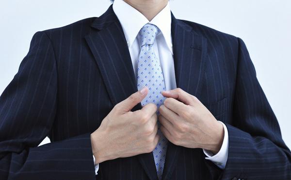 証券会社とかで働いてるやつってホントに20代で年収1000万とかいっちゃうの?