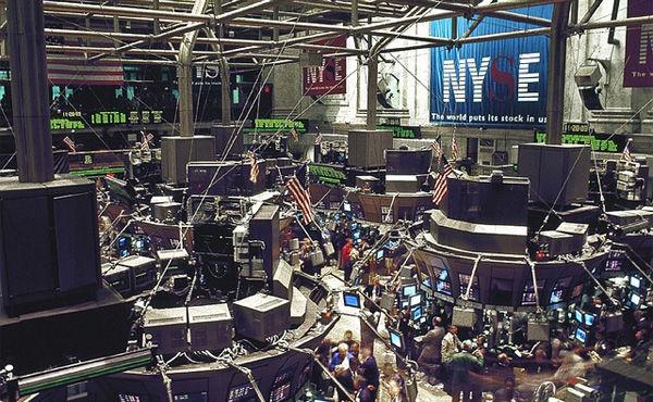 1%の超富裕層が最初に売り逃げ、リーマン後の株急落局面 米大研究