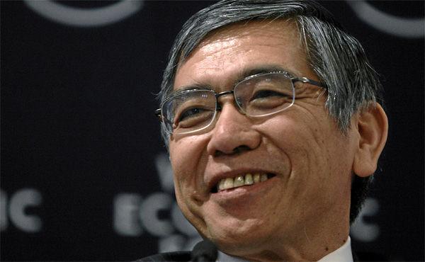 黒田日銀総裁、物価低迷でQQE継続 追加緩和には慎重姿勢