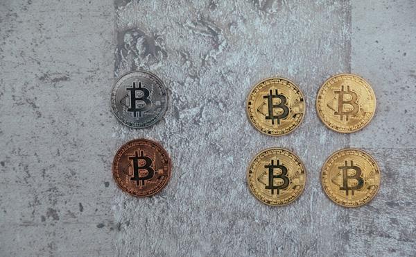 仮想通貨、投資トラブル多発 セミナー「必ず値上がり」……ビットコインの時価総額4兆7050億円