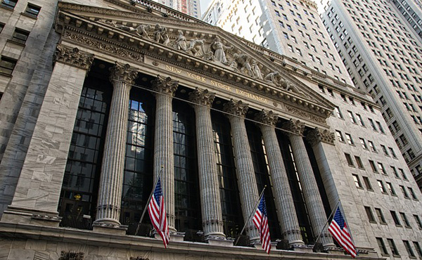 米国株に不吉な兆候増加、ウォール街はリセッション(景気後退)の可能性考慮 今後1年の米リセッション入り確率は15%