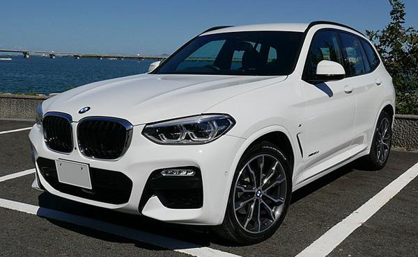 年収200万新卒ワイ、BMW X3を買う