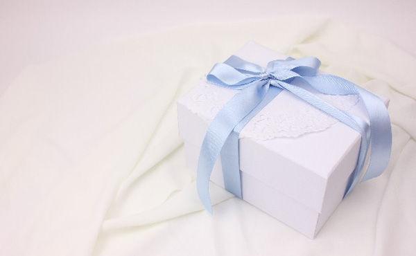 プレゼントに悩んでるんだがお前らが1万円程度で貰って嬉しい物って何?