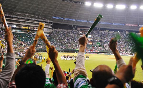 年収3000万円観客「がんばれ!」年収1億野球選手「ありがとう!」