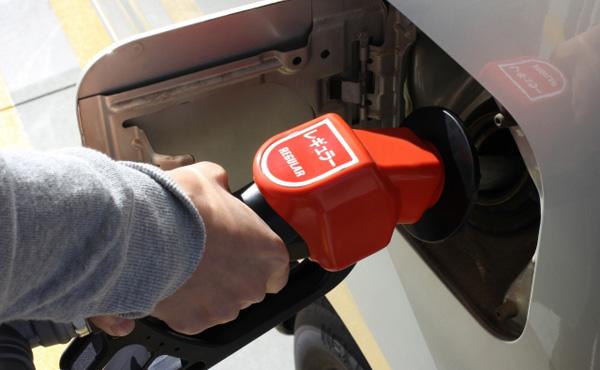 ガソリン、大型連休も高く 首都圏・近畿で1割高