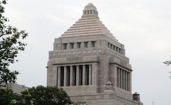 「NHKと受信契約結んだ人は受信料支払う義務がある」 政府が答弁書を決定
