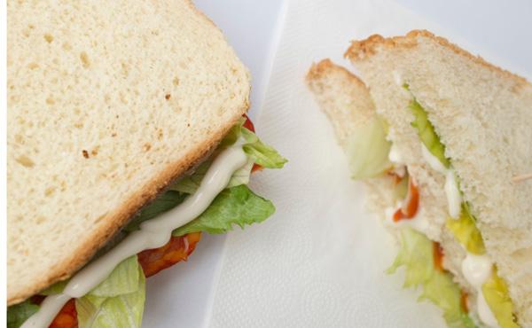 前から思ってたんやけどサンドイッチの値段設定っておかしくないか?