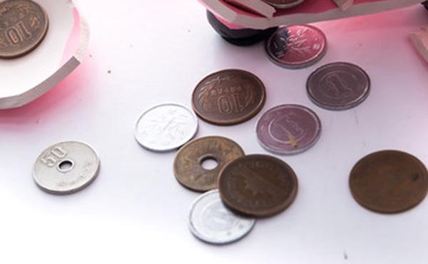 【悲報】電子マネーの普及で50・10・5・1円玉の存在意義が無くなる