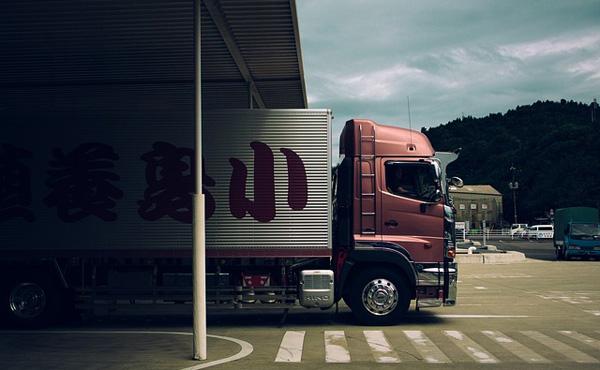 トラックドライバーだけど質問ある?