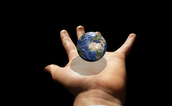 【格差】世界人口の半分36億人分の総資産と同額の富が8人の富豪に集中