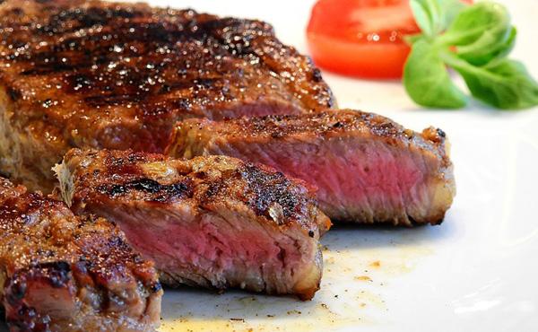 格付けチェック「こいつ100g1000円の肉のほうが美味いいうとるでww」←これ