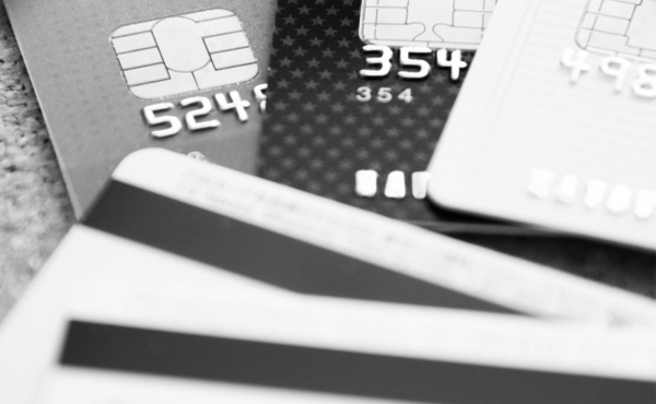 クレジットカードの支払いをずっと滞納するとどうなるの?